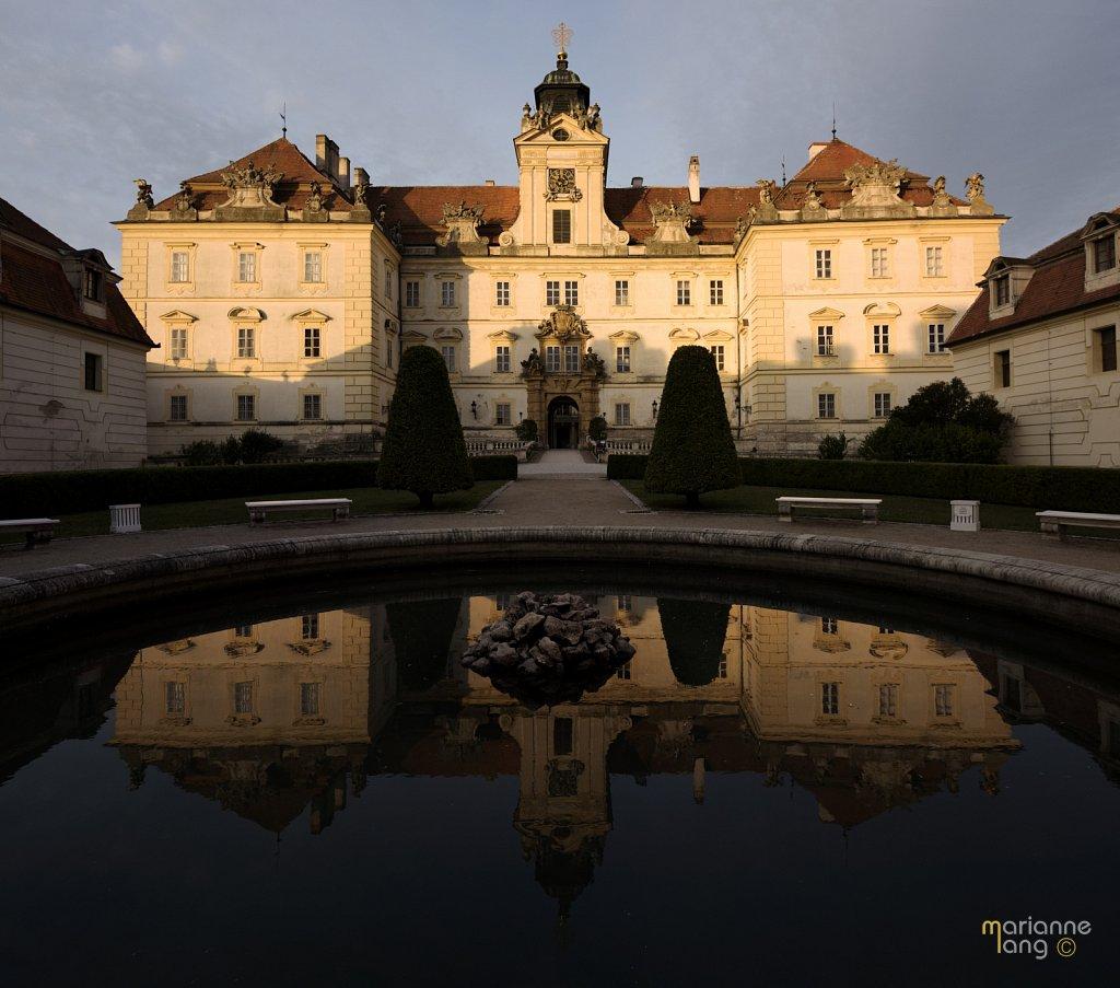 Schloss-Panorama2-TOP.jpg